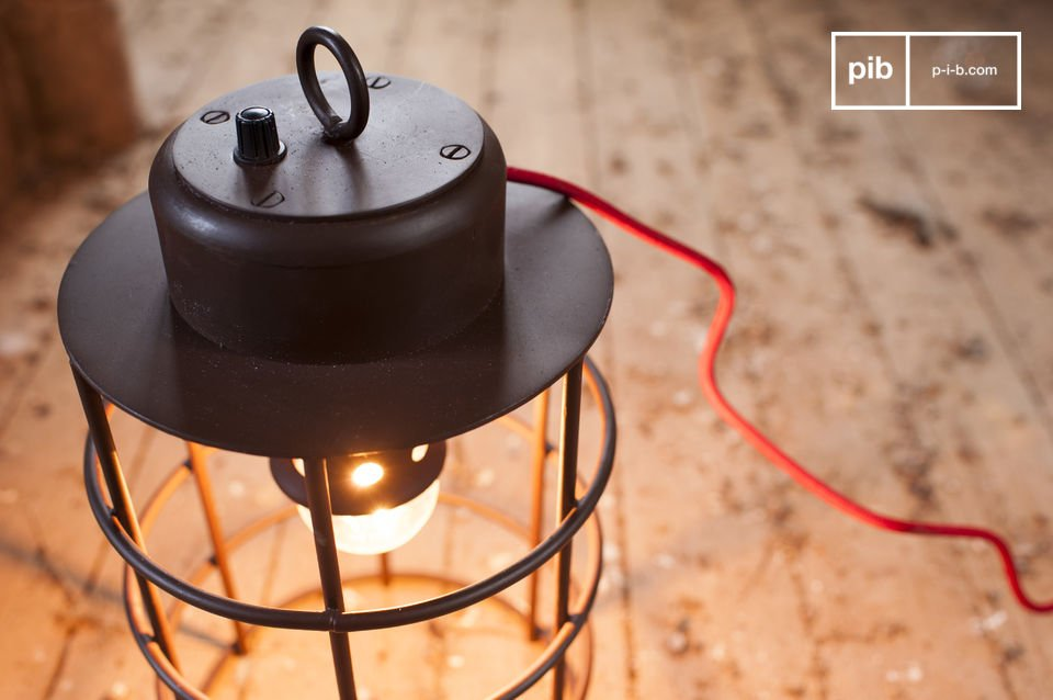 The lamp Nautilus has the industrial charm that will integrate perfectly into your home