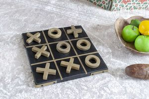 Nelly wooden tic-tac-toe game