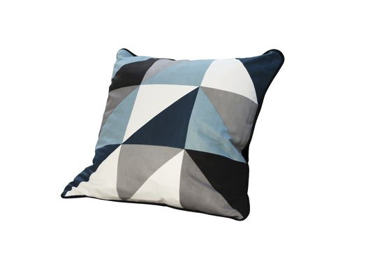 Norway blue cushion Clipped