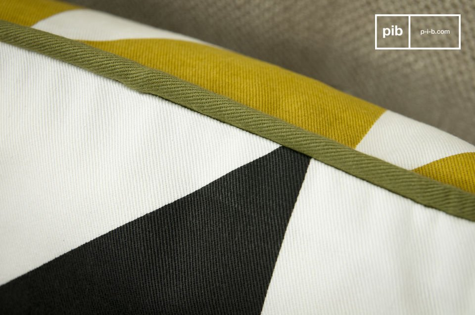 100% organic cotton, yellow triangles on one side, black ones the otherl