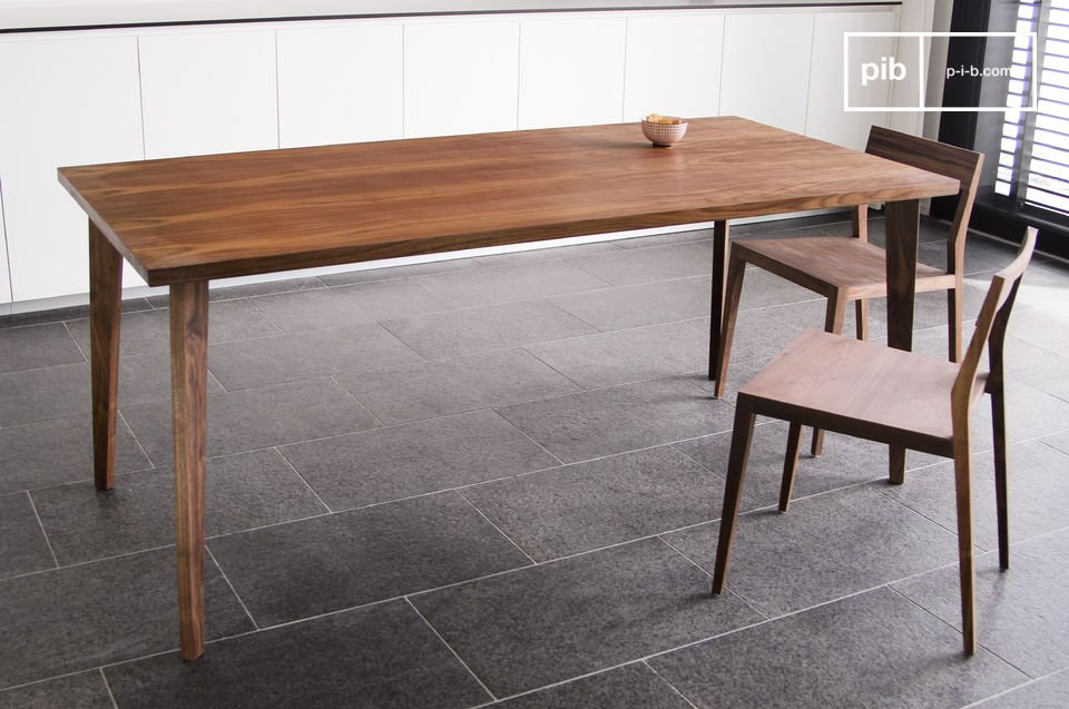 Nöten dining table