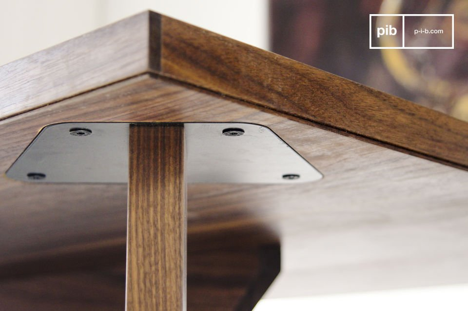 The sober character of this table means it will go well in any style of dining room