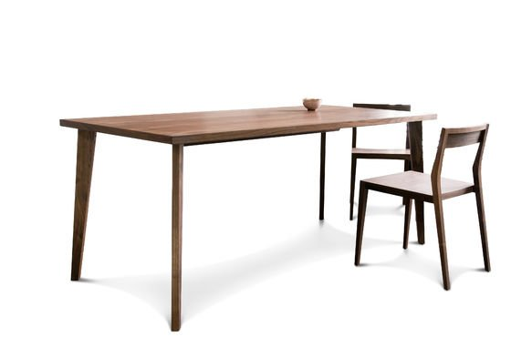 Nöten dining table Clipped