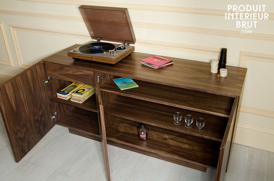This desk is the height of elegance with its 1960s vintage style