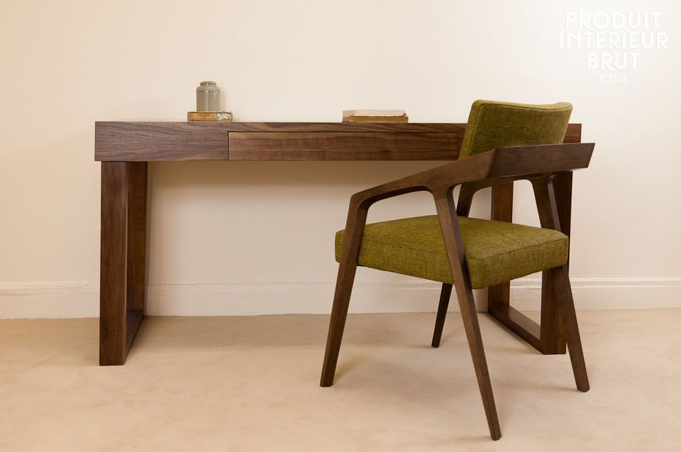 The silhouette of this desk is the height of elegance with its 1960s vintage style