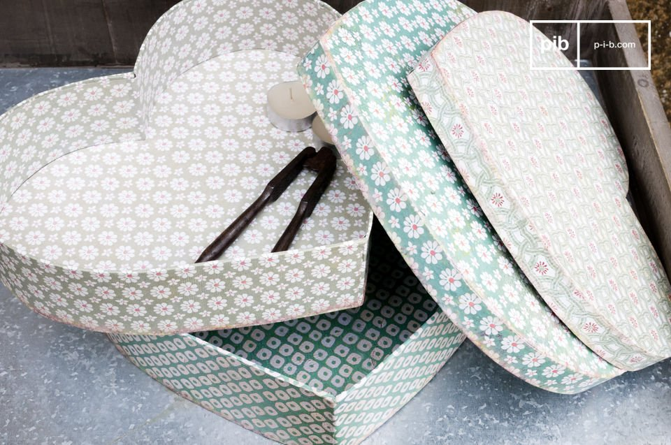 These shabby chic wooden storage boxes bring the freshness of spring into your home with these