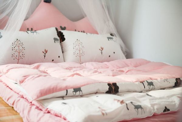 pink bed