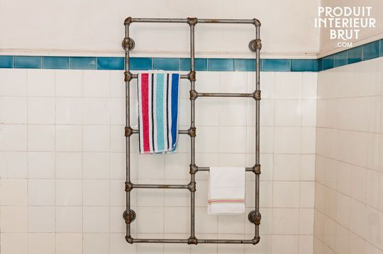 Pipeline towel rail