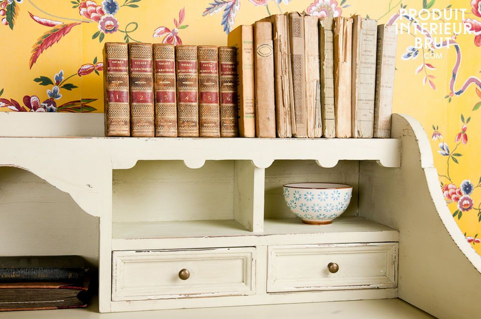 Beautiful distressed paint desk