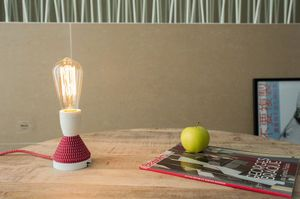 Retro light bulb with long filament