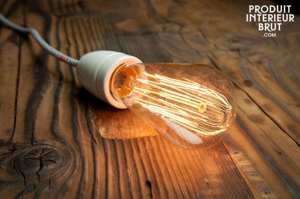 Retro lightbulb with a long filament
