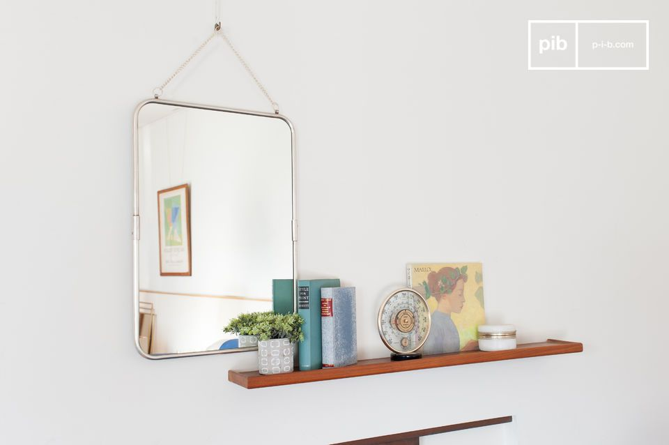 Elegant mirror that will be comfortable on a shelf or dresser.