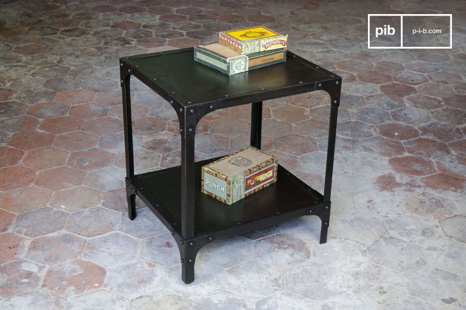 A pretty side table entirely made of metal.