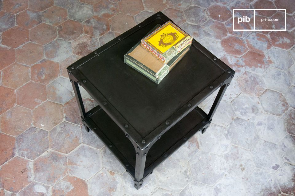 Cube-shaped metal table, polished black finish
