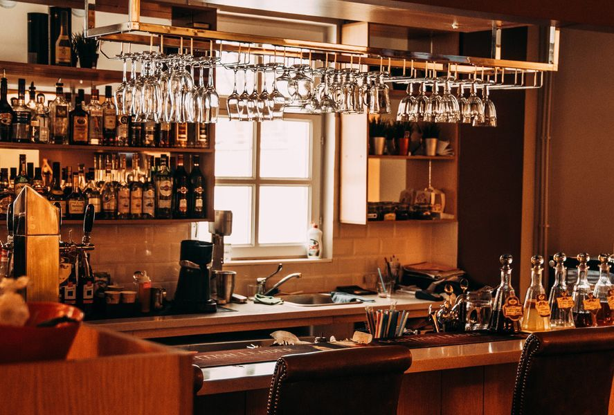 How to create a home bar in your interior design