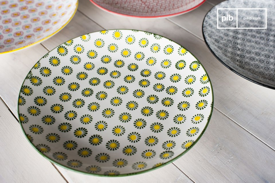 The round dishes Julia will give a retro charm to your interiors and to your dining table