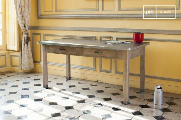 Rustic Pauline table