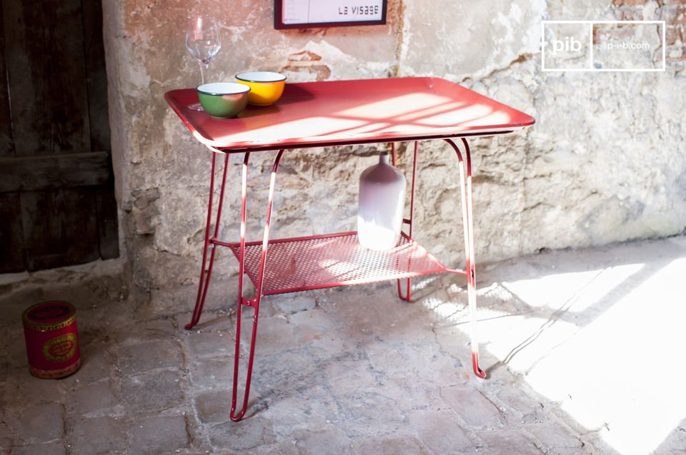 A charming and colourful vintage table