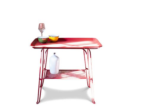 Scarlet table Clipped