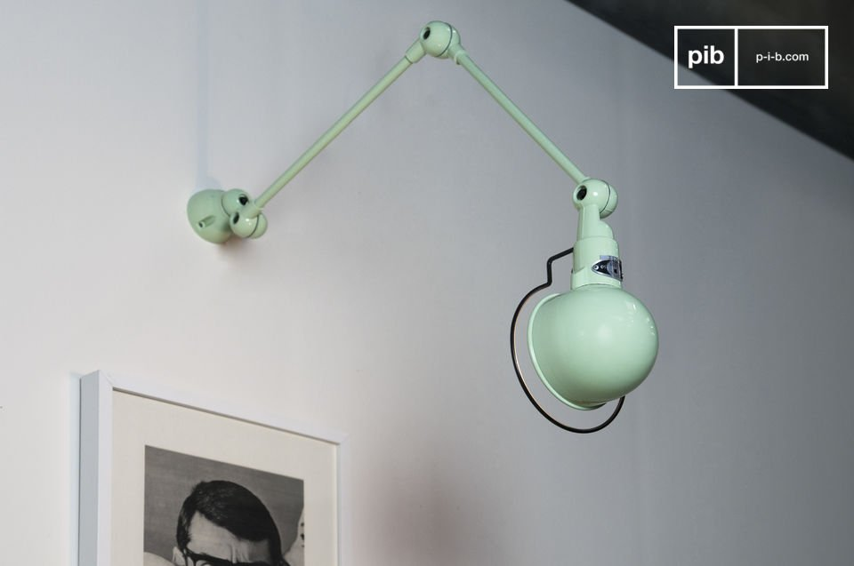 Placed over a working place, a picture, or a bedhead, this Jieldé wall lamp combine practicality and aesthetics