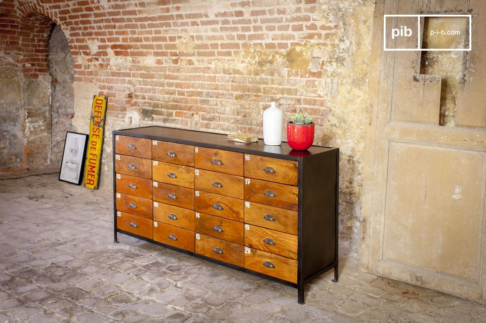 Industrial style and 20 drawers to store everything
