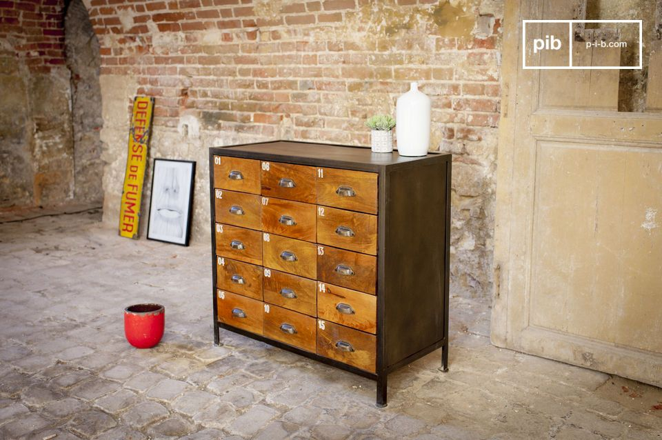 15 drawers to store everything in style