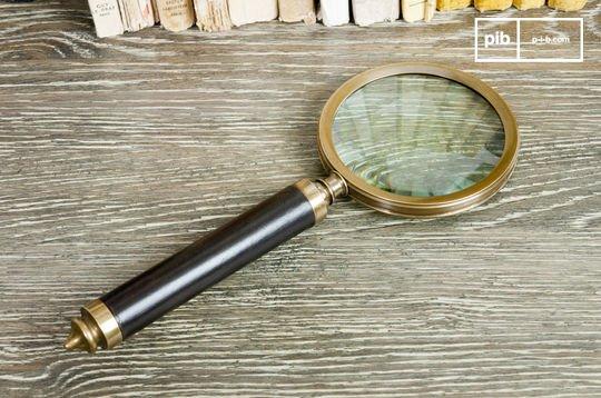 Sherlock magnifying glass