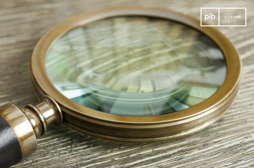 The Sherlock magnifying glass