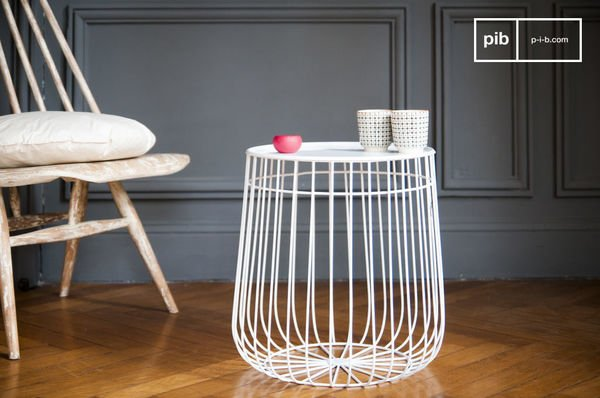 Scandinavian side table maintar