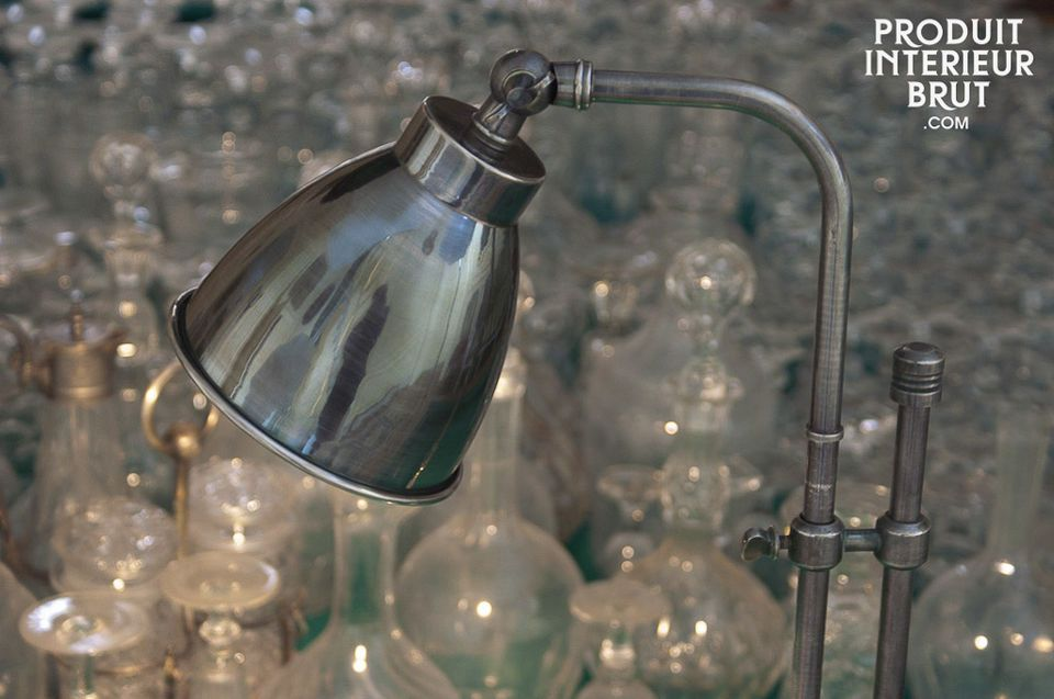 An elegant light with a beautiful silver-plated finish