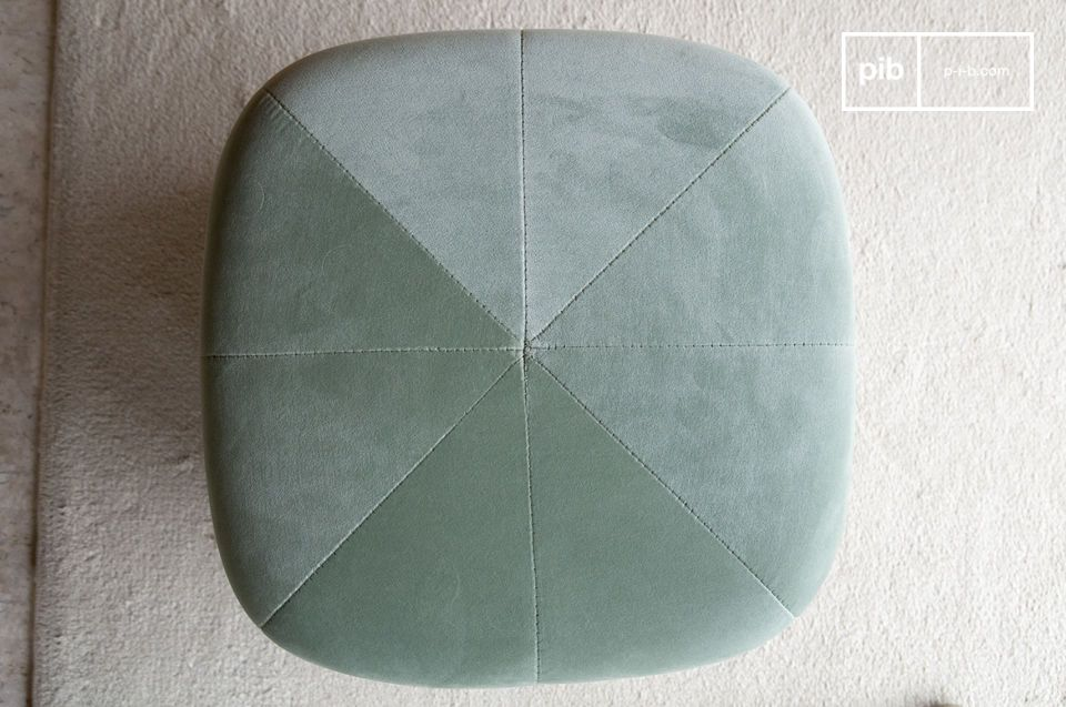 The seat is sewn to form a star pattern.