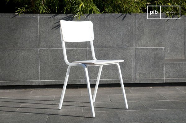 Skole white chair