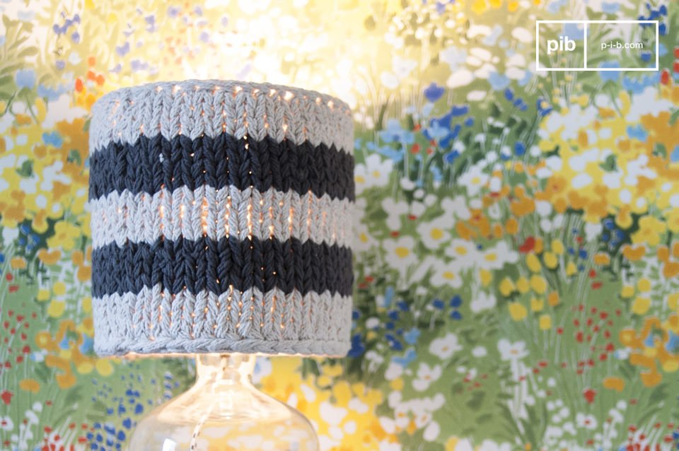 Regardless of the lampstand, the crochet lampshade Paimpol adds a trendy vintage flair to any room