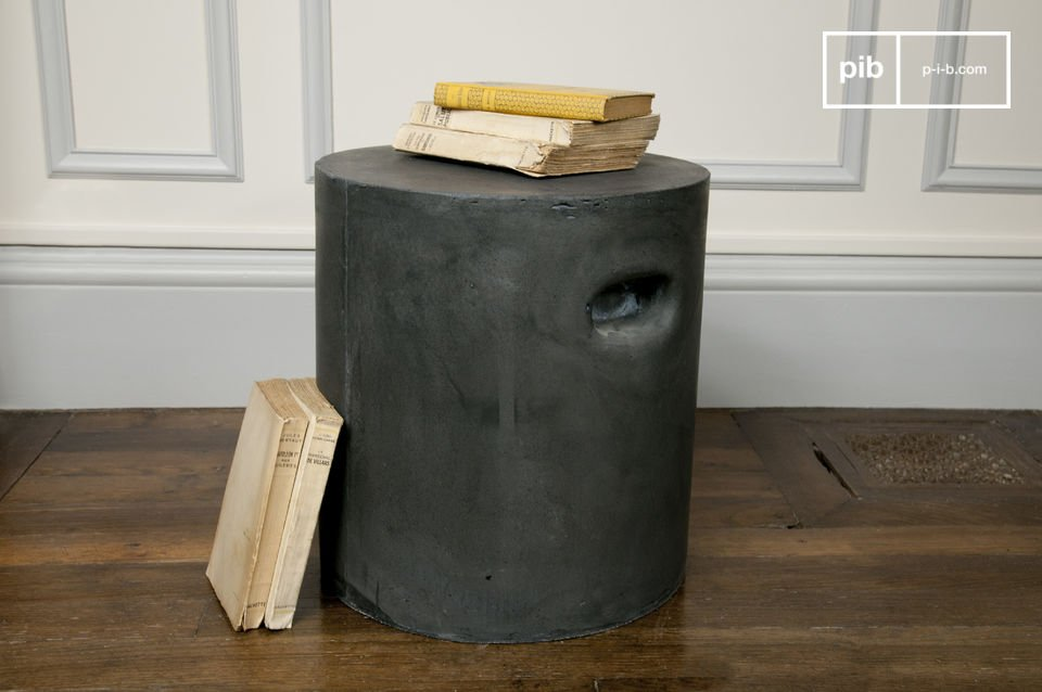 Industrial stool made of resin, fibre and cement.