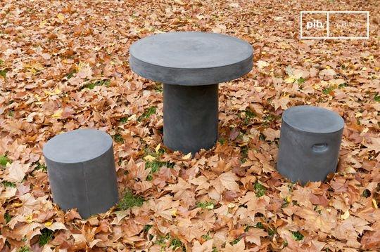 Smaton round table