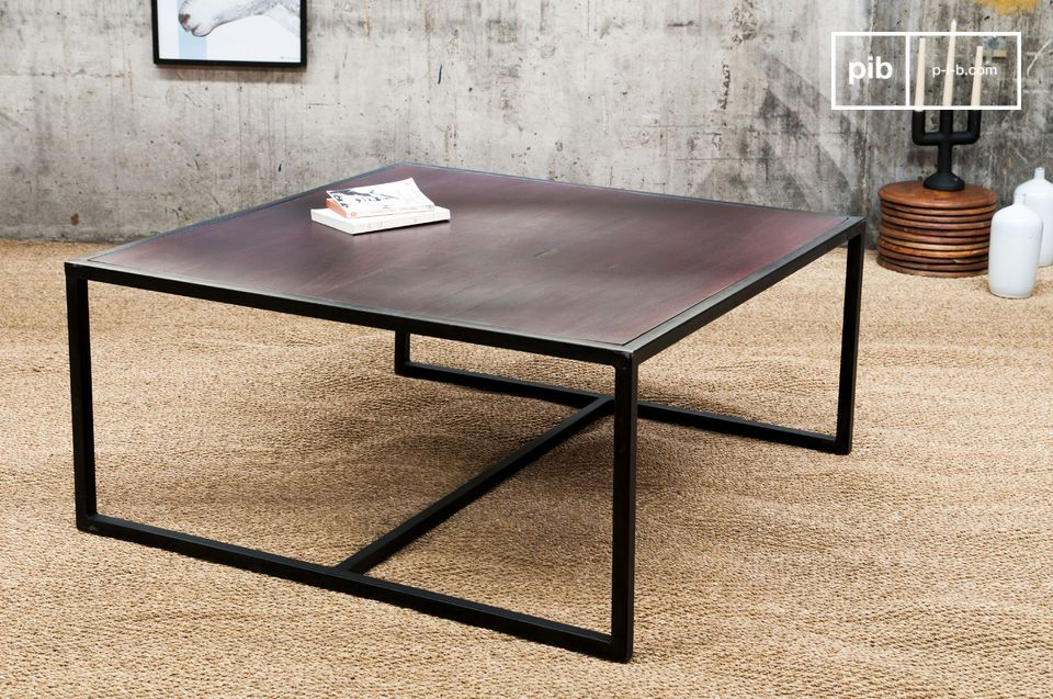 The thick table top of the Smoke coffee table has a varnished mahogany coloured finish, which is supported by a gun metal grey base that is durable and adds a retro-chic touch to the table