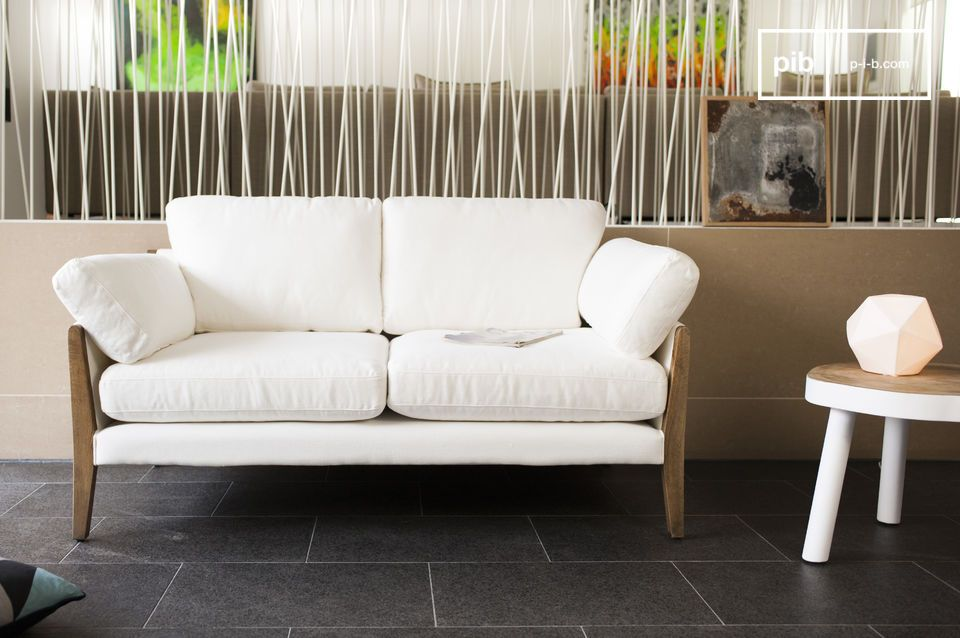 The sofa Ariston in White is a piece of living room furniture that exudes luxurious elegance