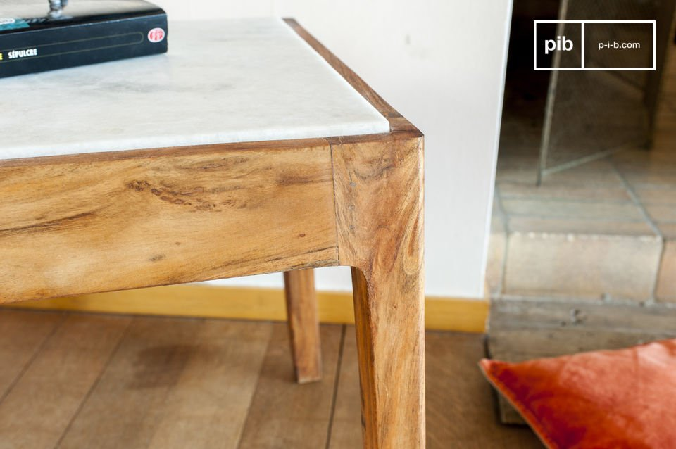 You will love the square side table Marmori for its visibly refined aesthetics