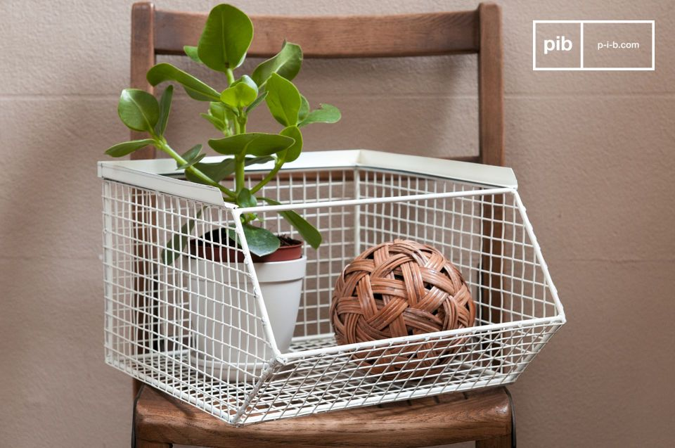 Stackable storage basket André