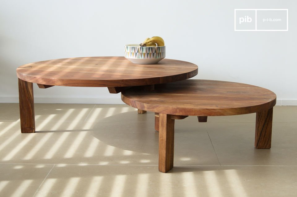 An adjustable table that displays a beautiful Scandinavian elegance