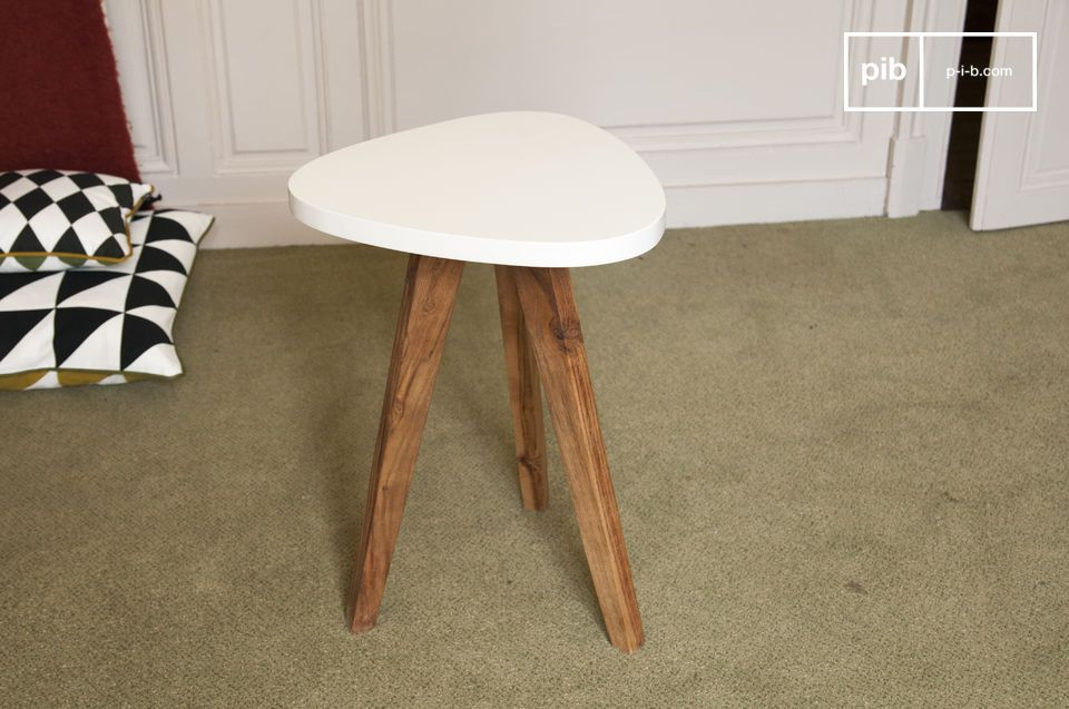 This occasional table will complement all decorating style