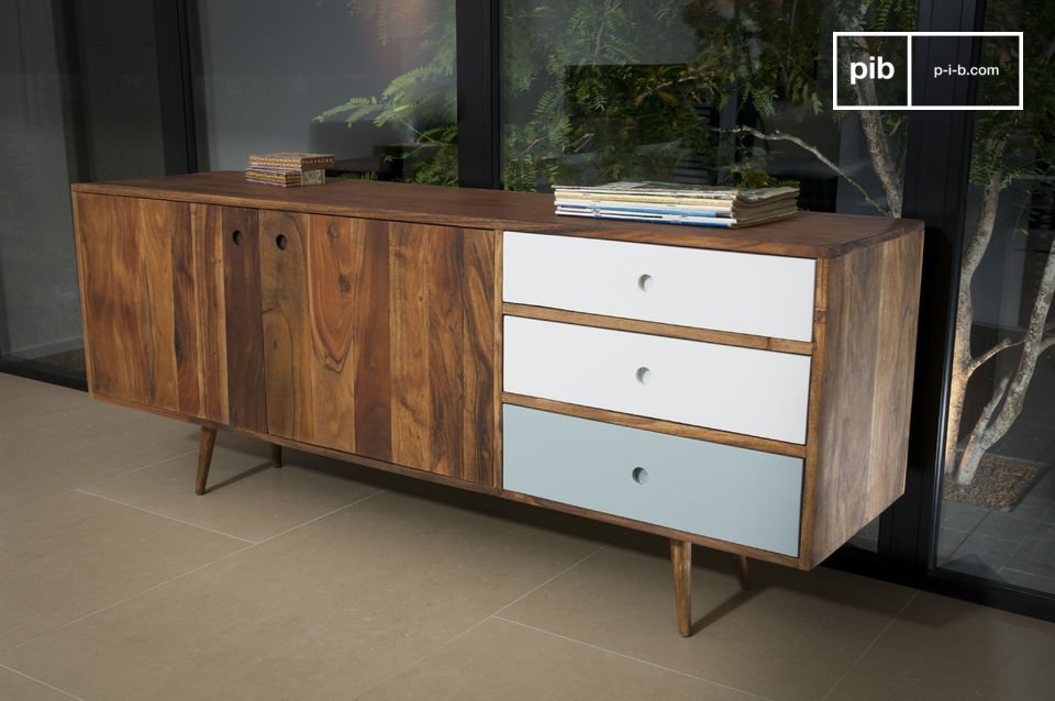 This sideboard draws its inspiration from 1950s Scandinavian furniture, with three drawers that contrast beautifully for the solid acacia wood