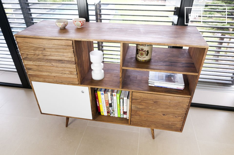The large amount of space behind its three doors means you can store all your objects even the