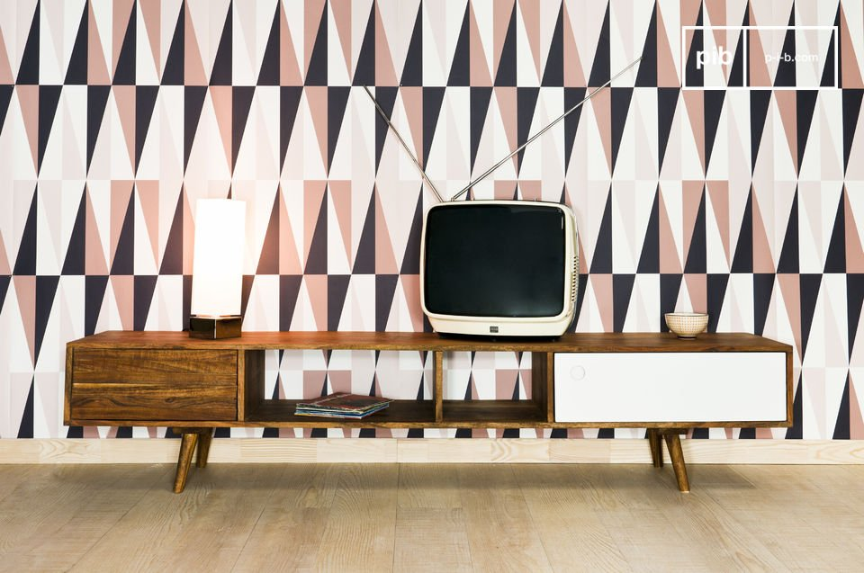 This TV or hi-fi table draws its inspiration from the Scandinavian buffets of the 1950s, with one white door and another with a sawtooth finish