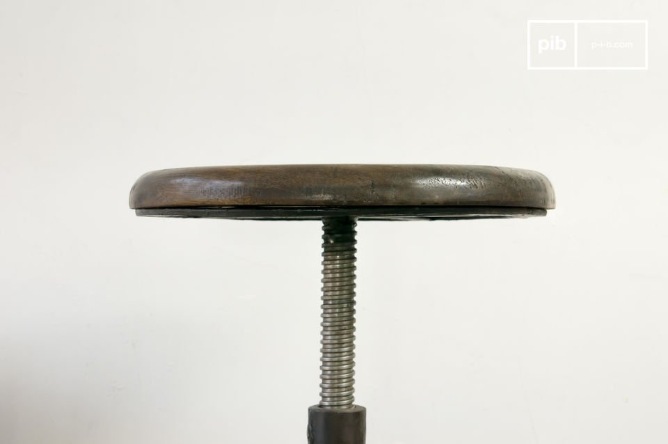 Height-adjustable stool, 100% wood and iron