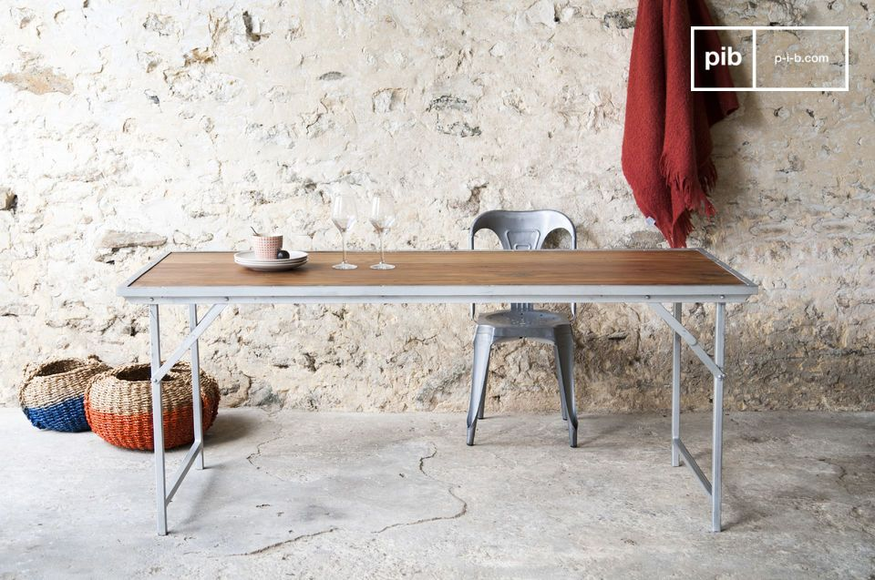 The Bollène teak table