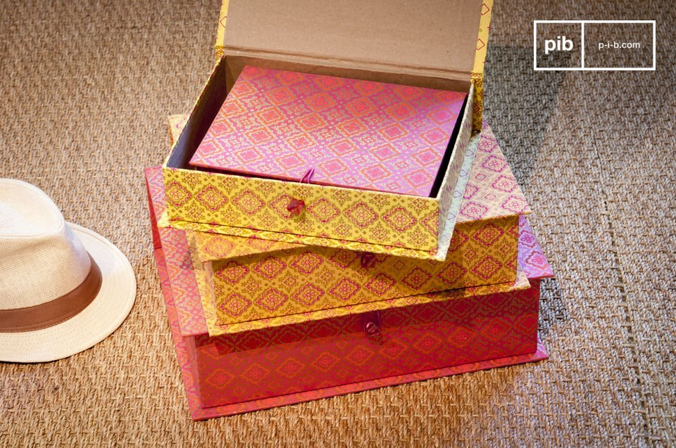 The boxes of Dr Vincent consist of four individual pieces that have different colours and sizes