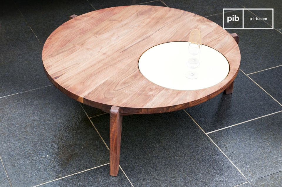 Solid wood, roundness and elegance