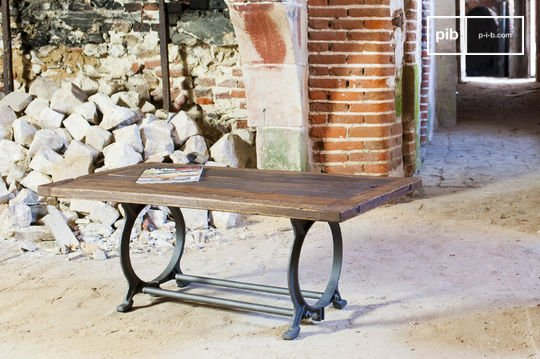 Tonnel coffee table