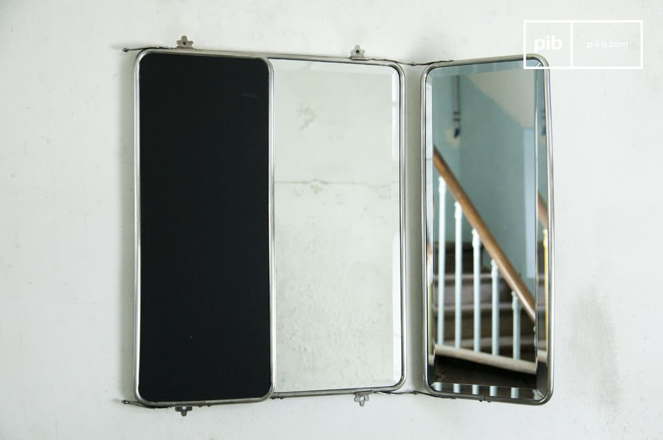 This mirror is the perfect accessory to optically enlarge your bathroom, bedroom, or entrance hall